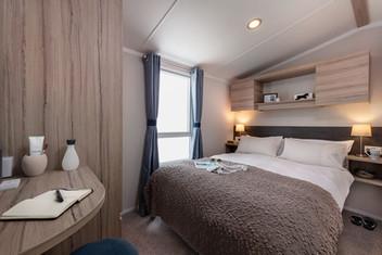 int-loire-35-x-12-2b-main-bedroom-swift.jpg