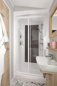 int-vendee-holiday-home-shower-swift.jpg