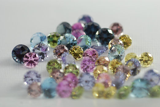 pink sapphire.color change garnet.aquamarine.spinel lavender.demantiod garnet