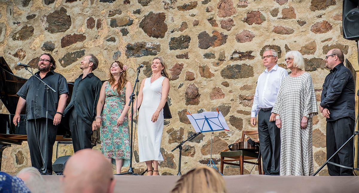 Armaani, olet kuin ruusu - Ruotsalaisia romansseja / Min älskling, du är som en ros - Svenska Romanser, Qvidjan piknik-konsertti 2014