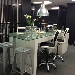 a contemporary, energetic, industrial workspace that providesmotivationand creativitytothe team.   interior designer. jessica barr