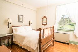 Garden Full Bed Room