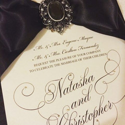 #custominvitations #luxuryinvitations #handmadeinvitations #weddinginvitations #sweetsixteeninvitati