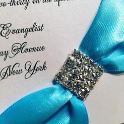Love #popsofcolor #custominvitations #luxuryinvitations #handmadeinvitations #weddinginvitations #sw