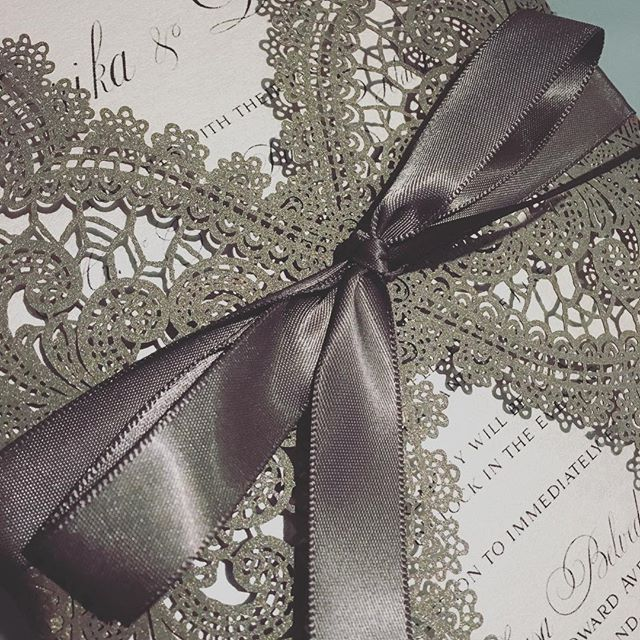 #custominvitations #luxuryinvitations #handmadeinvitations #weddinginvitations #sweetsixteeninvitati