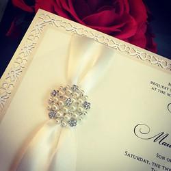 custominvitations #luxuryinvitations #handmadeinvitations #weddinginvitations #sweetsixteeninvitatio