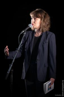 Louise Emö - En mode avion