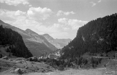 Cirque de Gavarnie, Pyrénées. Vue vers la vallée.