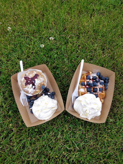 Blauwe bessen muffin en wafel