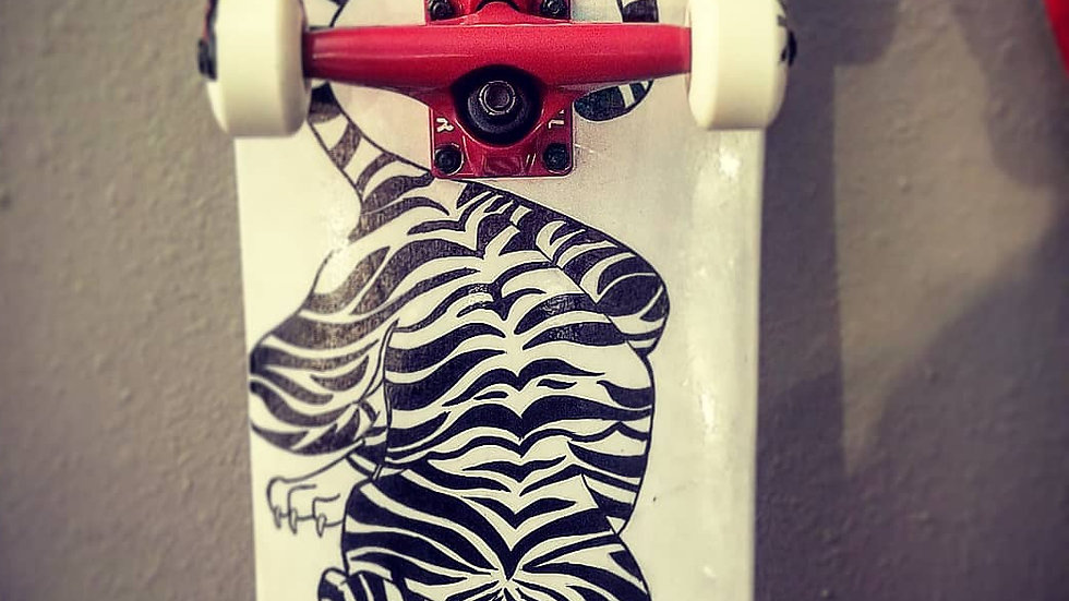 Customized Hand Painted COMPLETE SKATEBOARD.