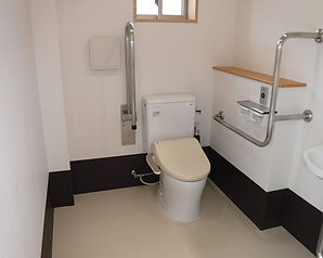 交番新築工事、内装トイレ写真。広島の内装、外装、外壁工事、修繕、修理、改装も㈱協和へご相談下さい。