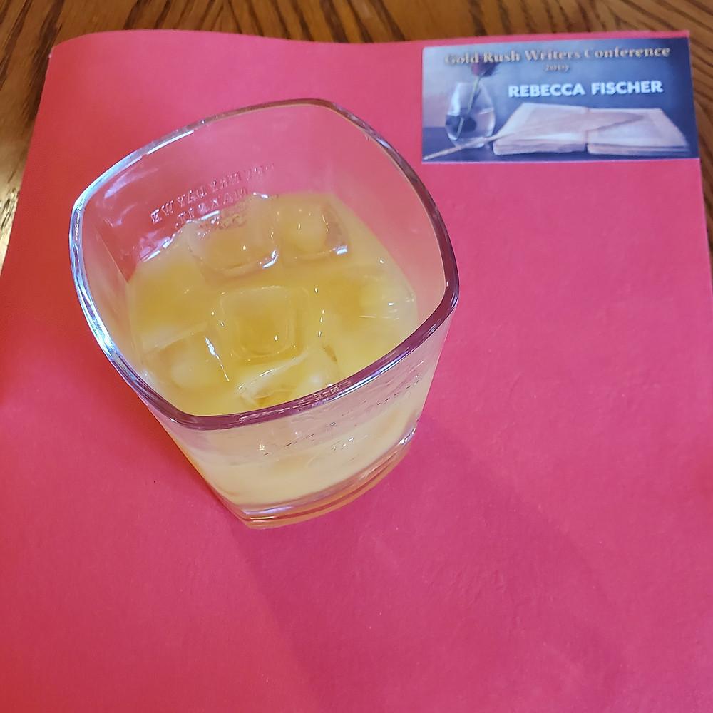 brandy orange juice 7 up mixed drink beverage