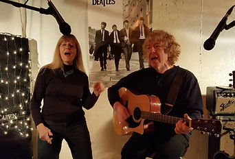 Pop songs, classic rock, country and folf songs, guitar duo Red & Yellow Music, Simsbury, CT, USA.