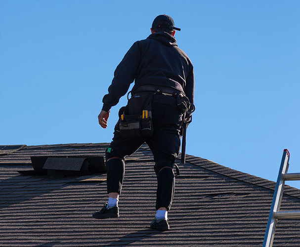 Home-Roof-Inspection-AdobeStock_20818445