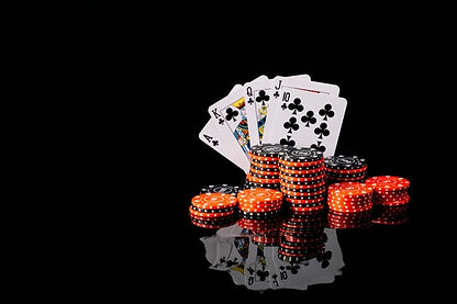 poker-chips-royal-flush-club-reflective-