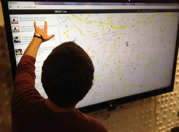 Mapping social media data