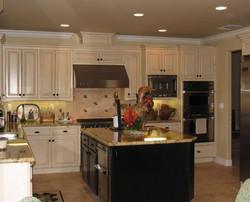Clasic Black & Whit Kitchen