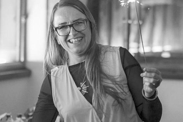 Lucia in ihrem Element: als Lichtbringerin bei der AXIS XMAS Sause 2018. Fotocredit (c) Alois Endl - Fotografie. Mehr Fotos unter: https://www.facebook.com/media/set/?vanity=axis.linz&set=a.1944281025690065