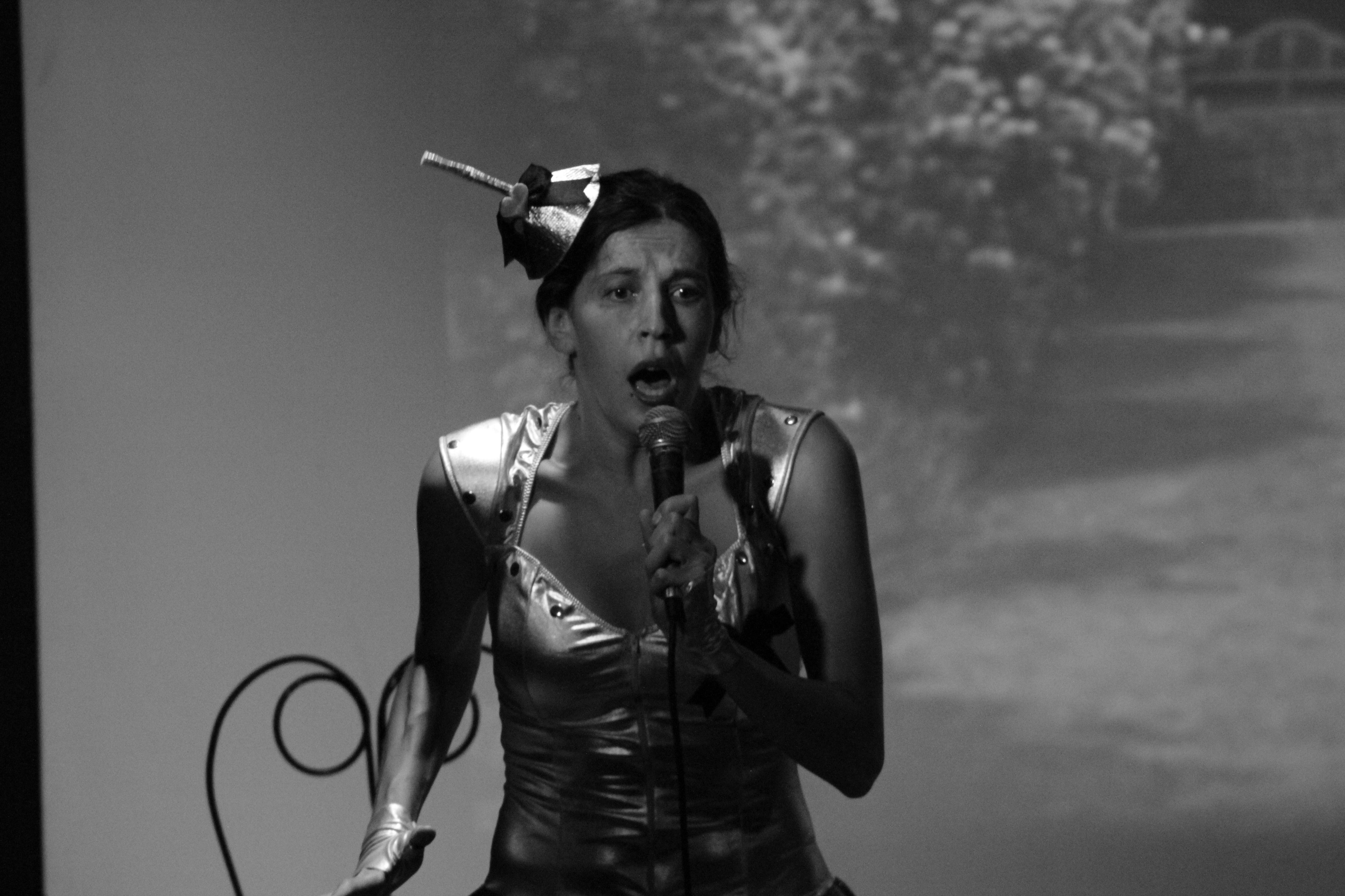 La Tin Woman