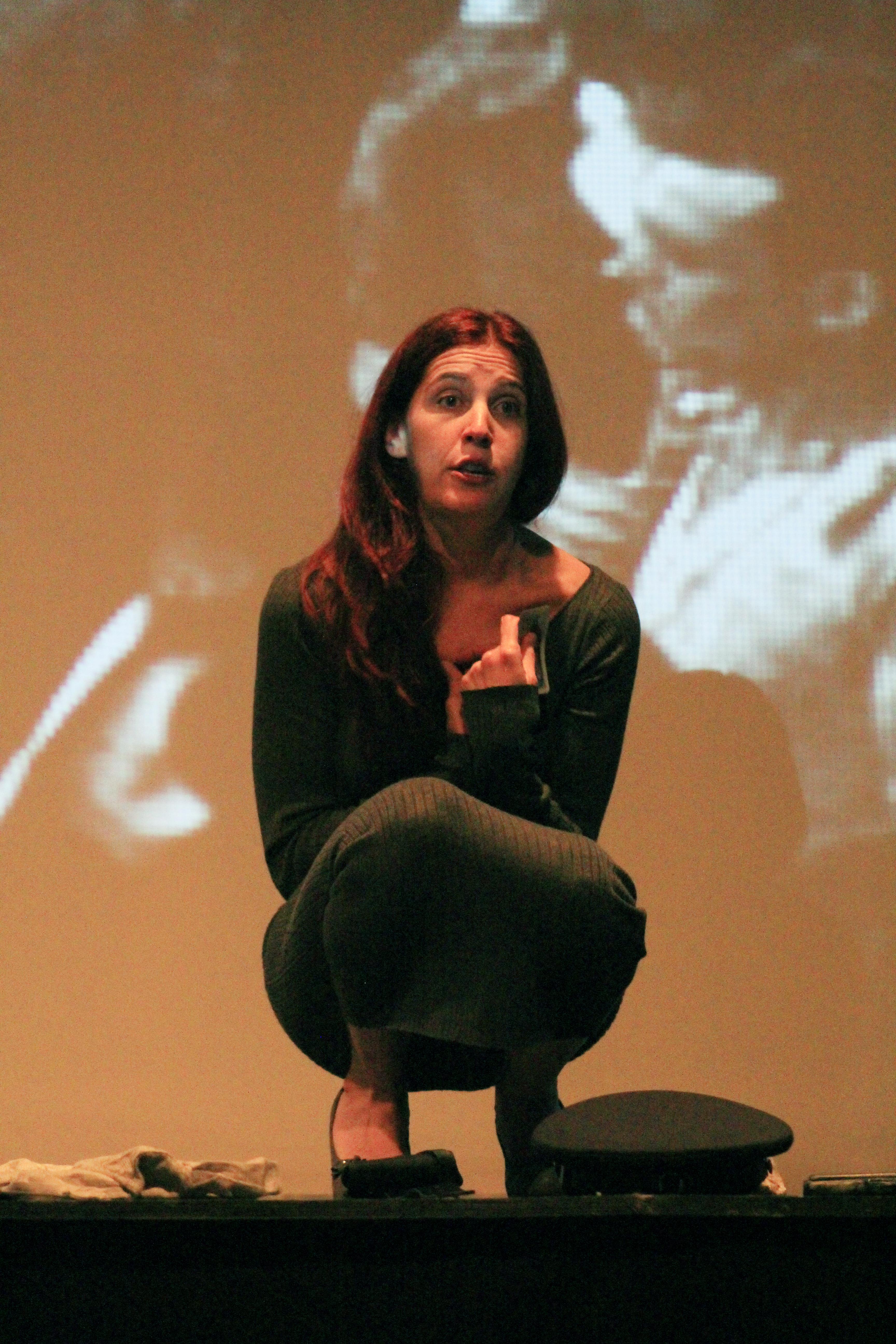 Damiana Encina contando sus vivencia