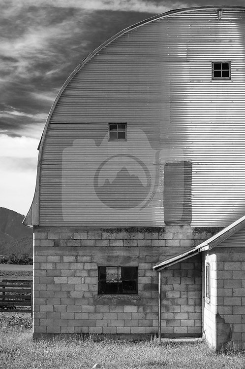 State Line Barn