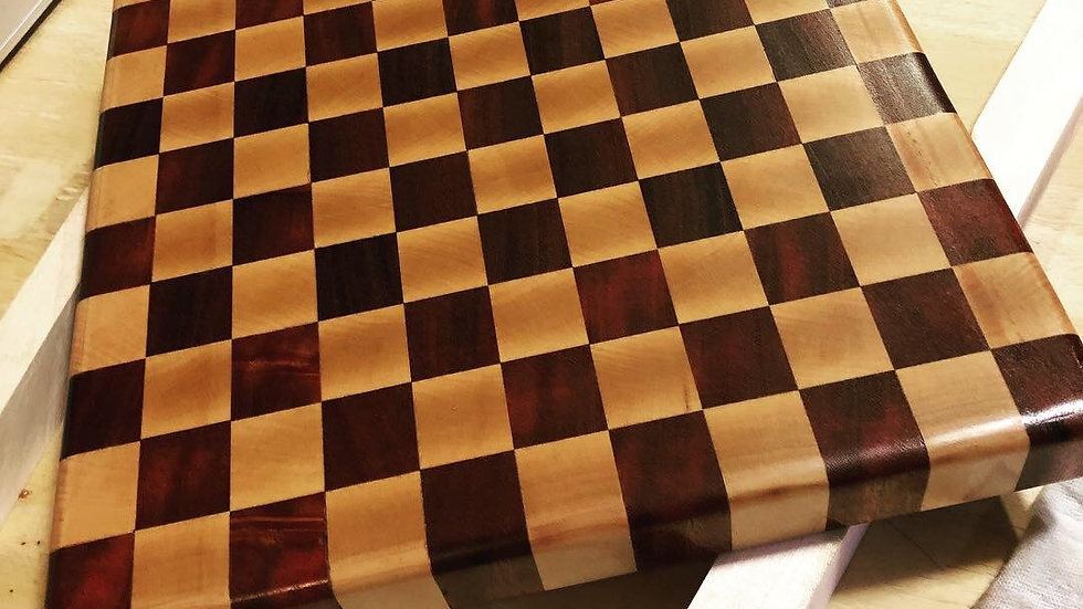 Cutting Board (checkered)