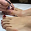 Thumbnail: mise en beauté des mains et des pieds