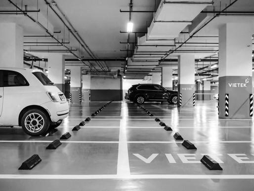 O condomínio responde por furto ou danos ocorridos na garagem?