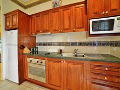 Cottage-2-kitchen.jpg