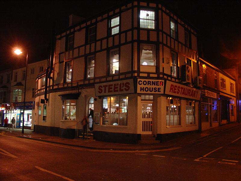 Steel's Cornerhouse, Cleethorpes. Image by Matthew James Hunt 2006.