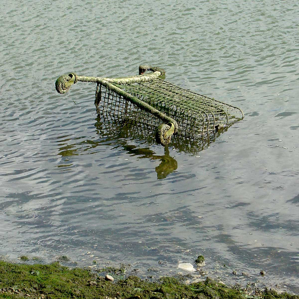 Discarded trolley in the River Freshney in Grimsby, September 2006. Image by Matthew James Hunt.