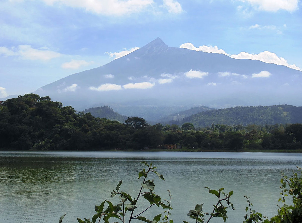 Lake Duluti with Mount Meru in the background. Photograph borrowed from Tano Tafadhali at http://fiveplease.blogspot.co.uk/