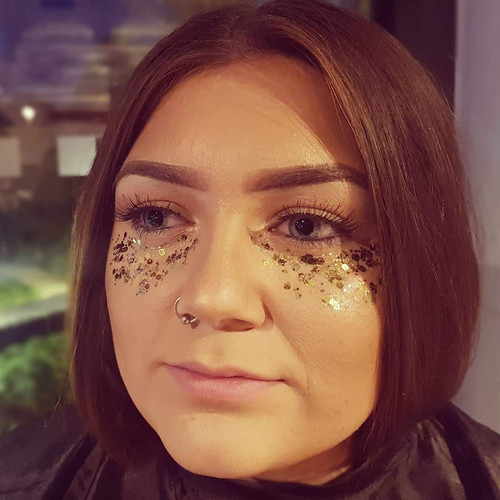 Glittered eyes