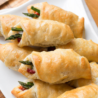 Prosciutto-Wrapped Asparagus Puffs