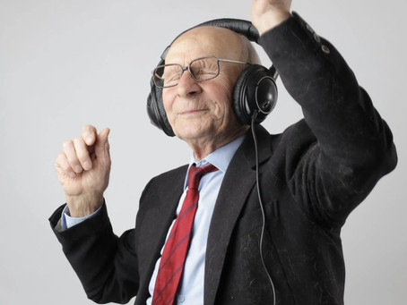 Top Ways Seniors Can Benefit From Music