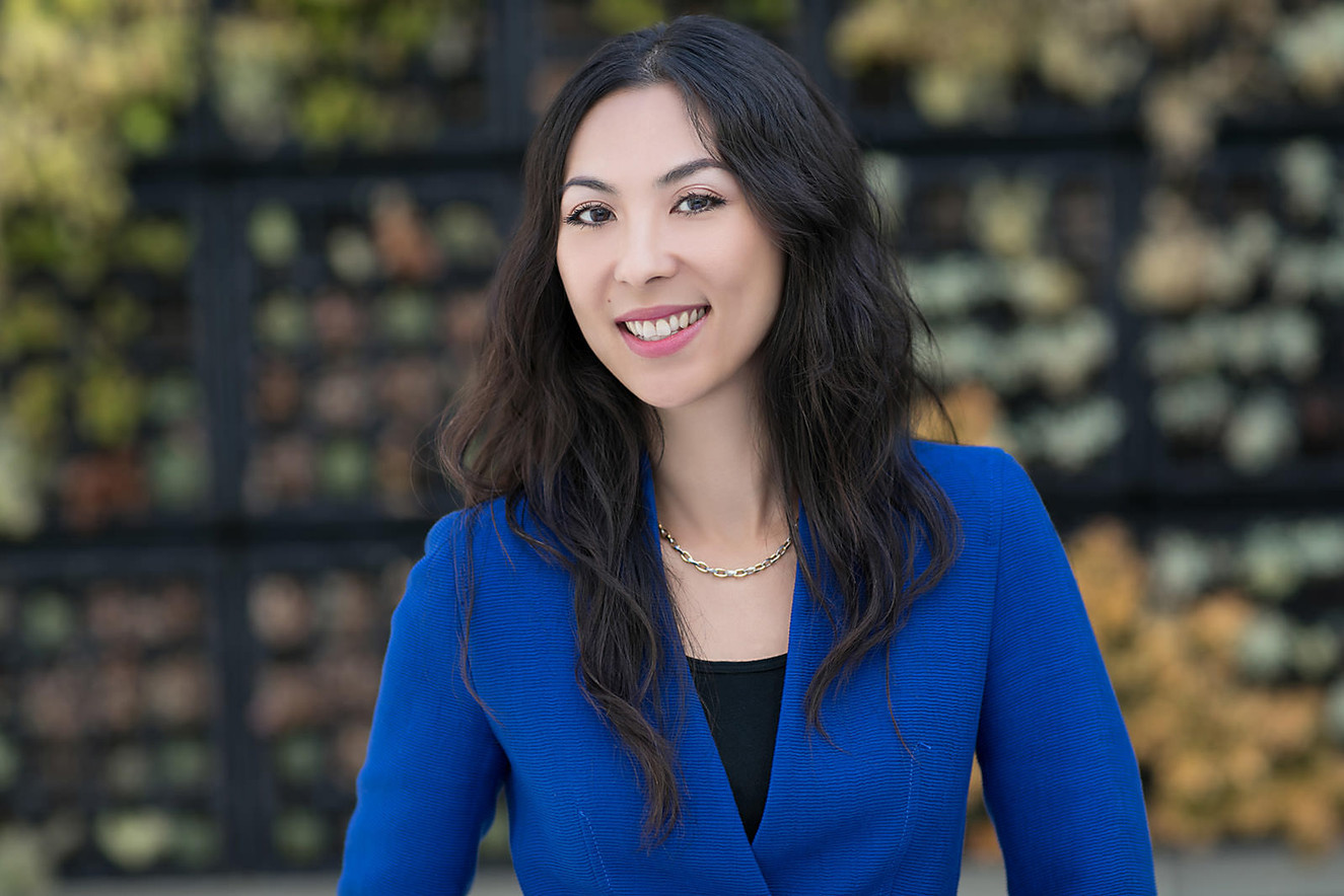 corporate-headshot-photography-linh-to-n
