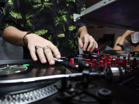 5 Tips On Finding a Good DJ