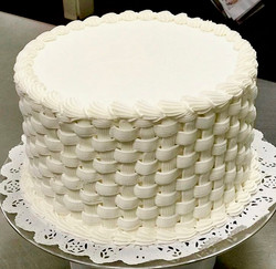 Basketweave (white buttercream only)