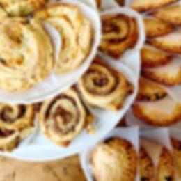Cinnamon Raisin Buns