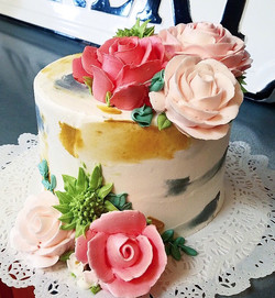 Brushstroke (not available on cream cheese icing, flowers optional)