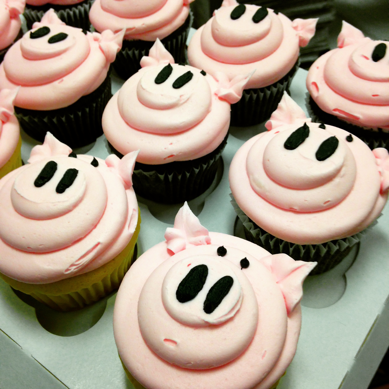 Custom Pig cupcakes