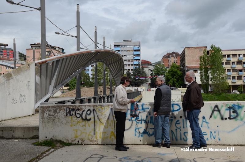 19-AN-Kosovo-Mitrovica-entrée_Pont_Austerlitz_2014