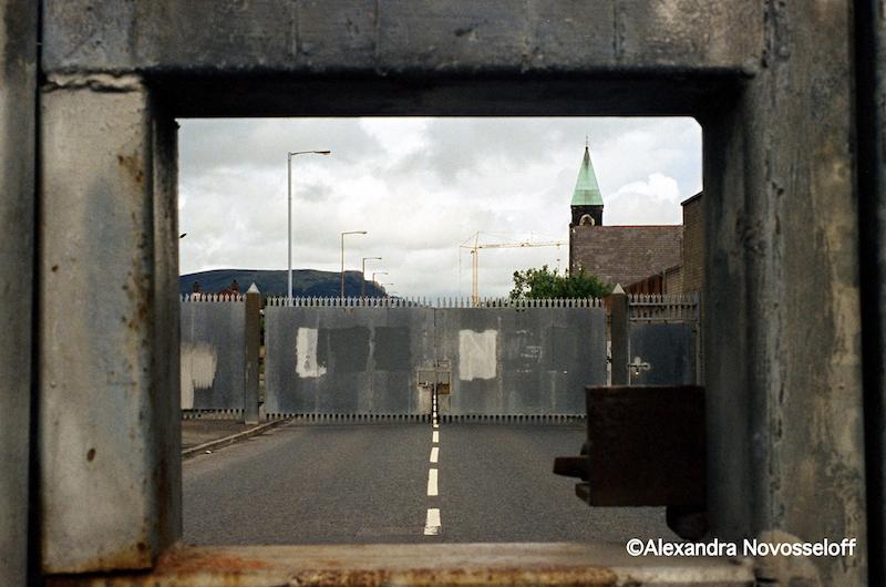 02-Belfast_A travers la serrure_2006