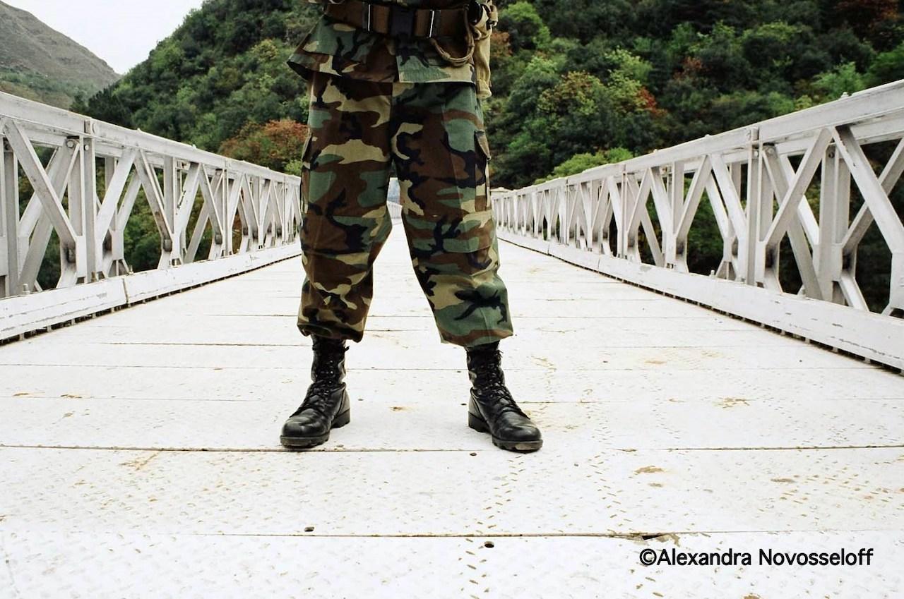 06-Cachemire-Un soldat sur le pont_2007.