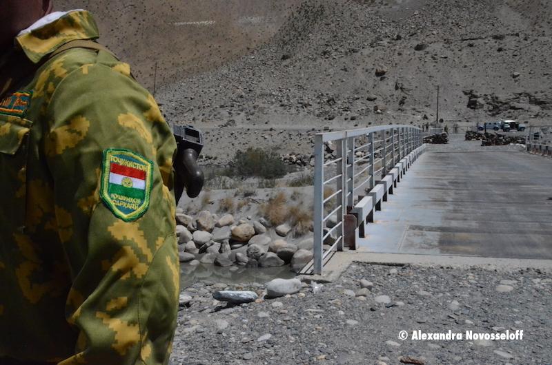 95-Piandj-Ishkhashim-Soldat tadjik_2015
