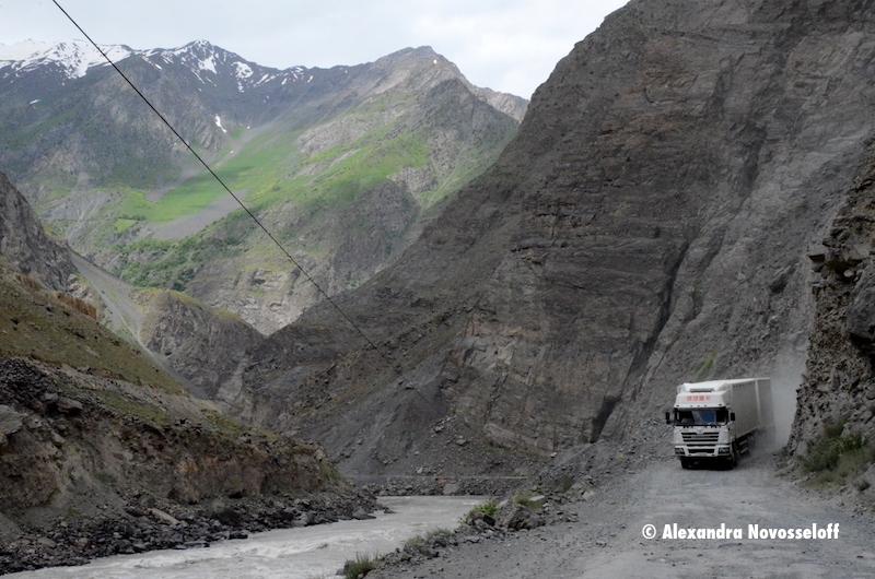 104-AN-Piandj-Camion chinois_2015