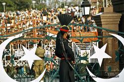 01-Pakistan_Soldat_pakistanais_sur_la_fr