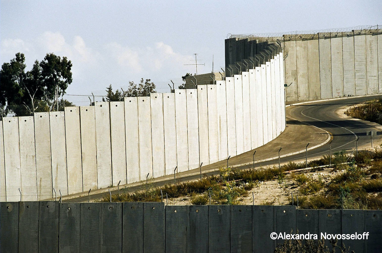 03-A Wall in Palestine_2006