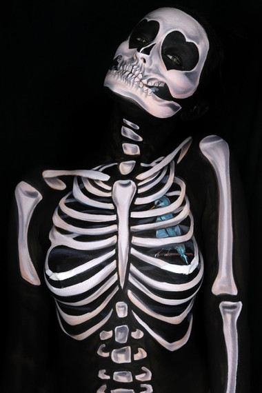 Skeleton Illusion Makeup