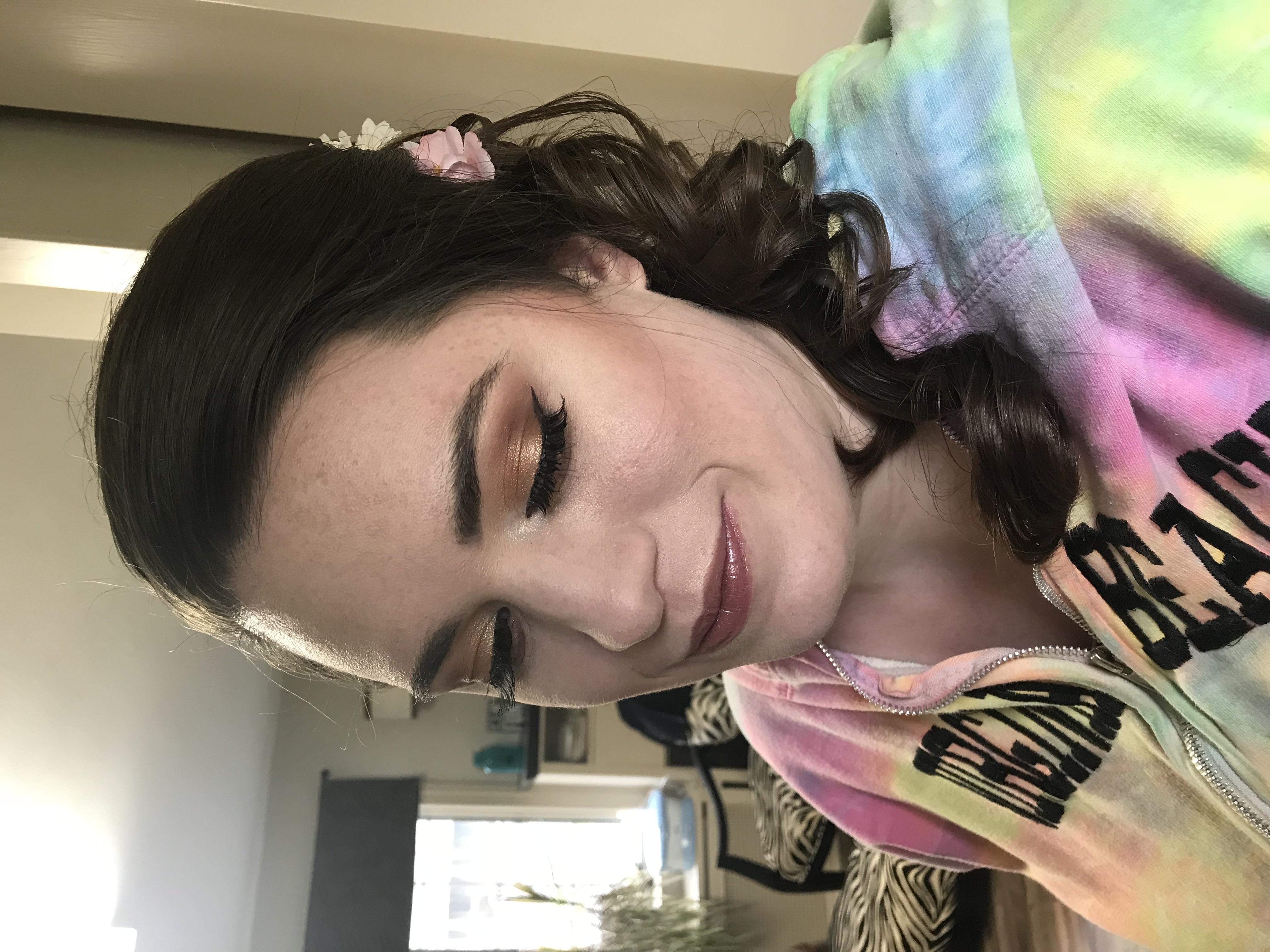 Beautiful Golden makeup